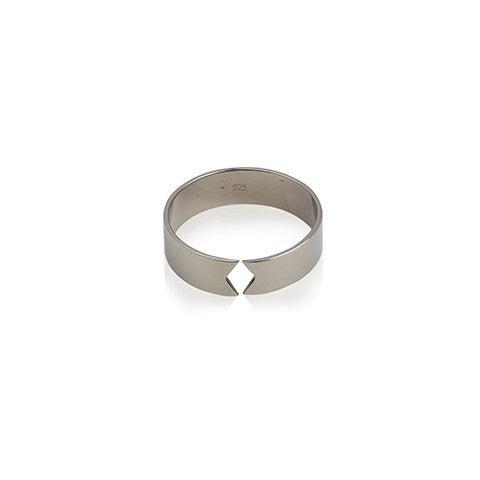 Silver minimalistic ring, Harlequin cut in the ring, VERA VEGA designed jewellery