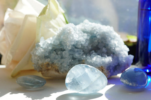 6 Crystals to Keep Calm this Holiday Season
