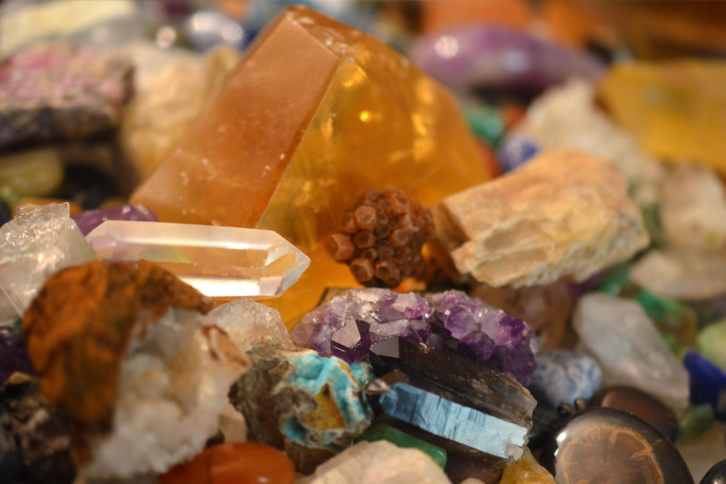 8 Tips on How to Identify Stones and Crystals