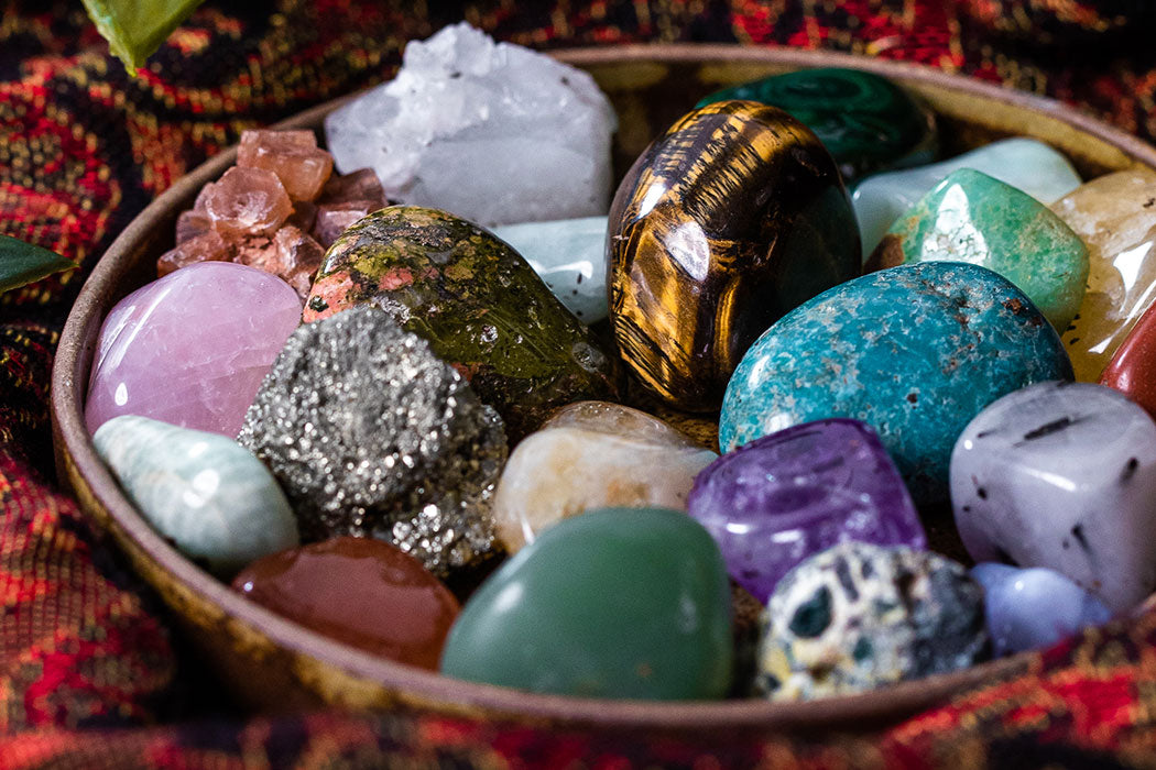 how do stones and crystals work