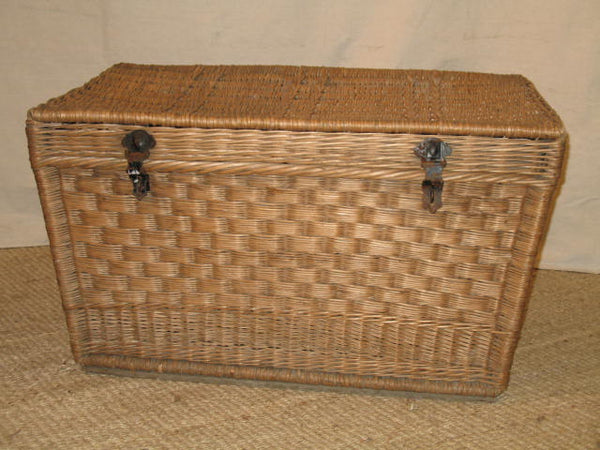 Large Basket with lid - Tinnin Imports