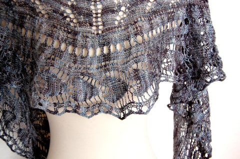 Picture of Flyleaf Shawl -- Instant Download