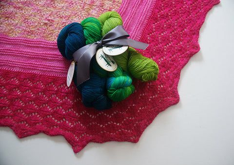 Picture of Mira's Shawl -- Instant Download