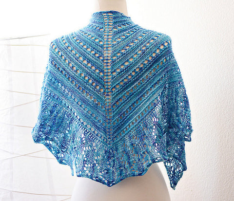 Picture of Blue Iris One Skein Shawl -- Instant Download
