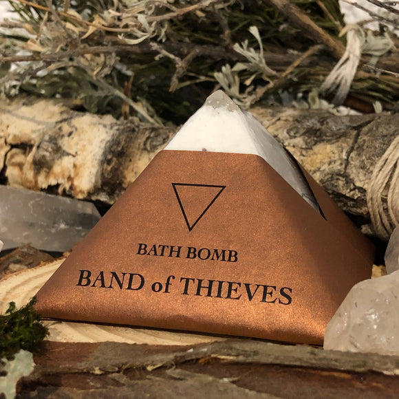 Thieves Pyramid Crystal Bath Bomb