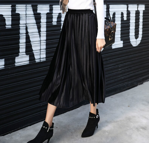 That Pleated Skirt (Black)