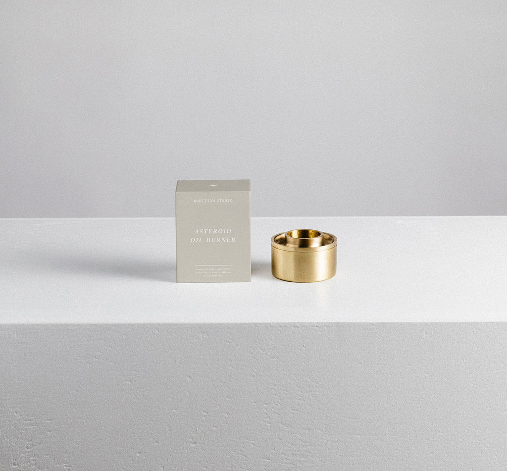 Brass Oil Burner with beeswax candle and mini oil included.  Designed in Australia as a minimalist style oil burner with subtle diffuser.