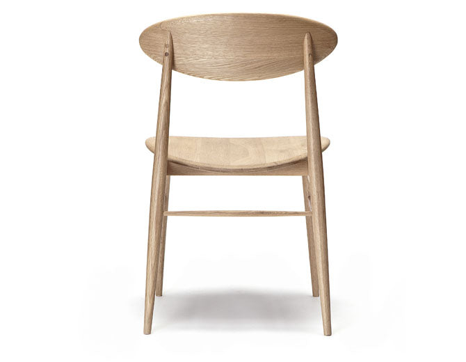 American Oak Dining Chair Australia - Curved backrest and seat in an original design.