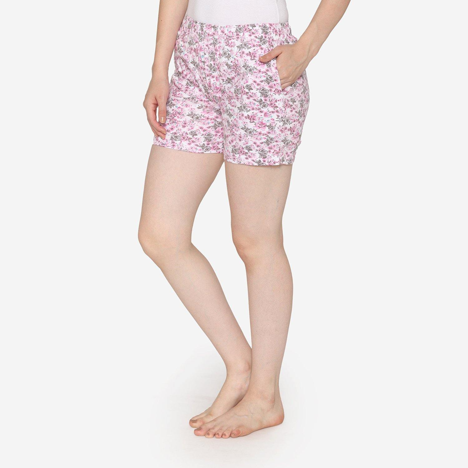 Women Knitted Shorts In Prints