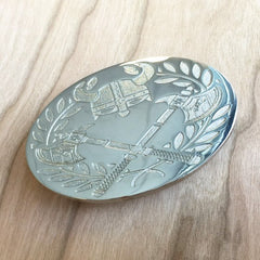 Deep Etched Oval Belt Buckle - Silver