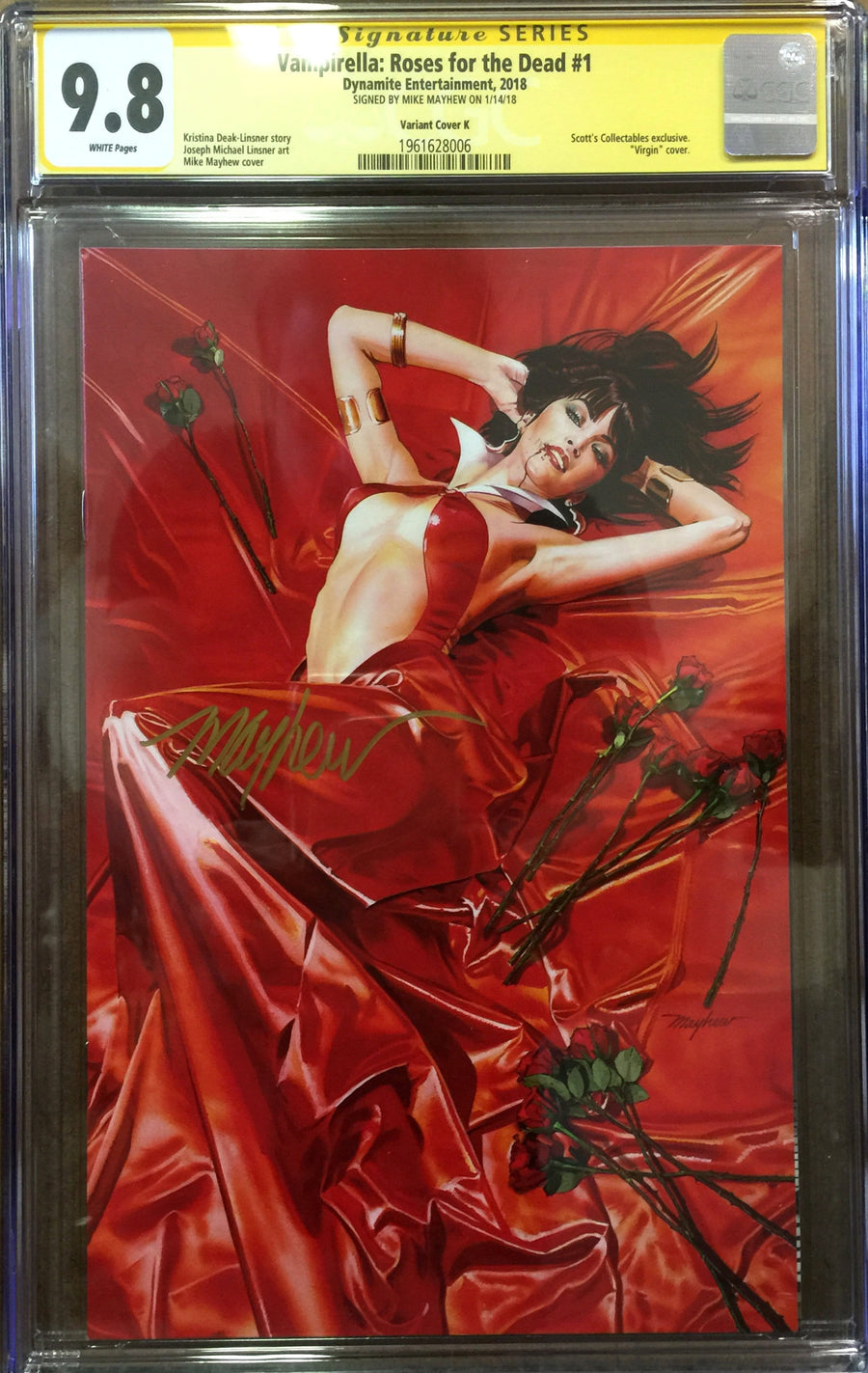 VAMPIRELLA: ROSES FOR THE DEAD #1 Mike Mayhew Variant B CGC Signature Series 9.8