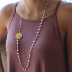 pearl beaded necklace - gold disk