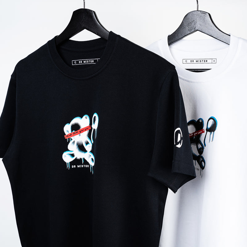 """Children See Magic"" Ted T-shirt - Black"