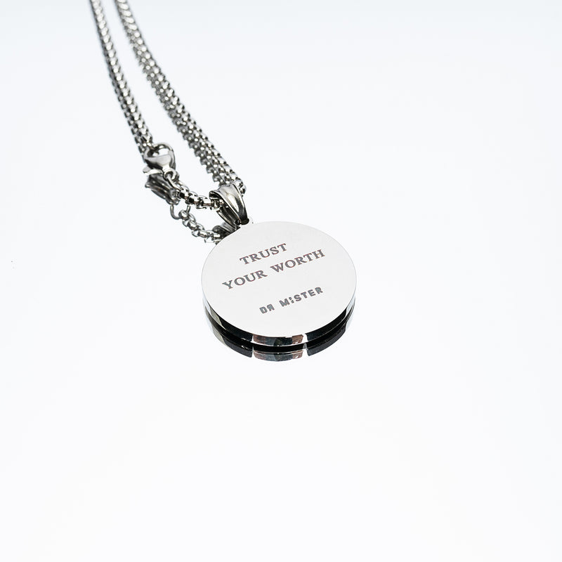 """Full of Art"" Pendant Necklace - Silver (2.5cm)"