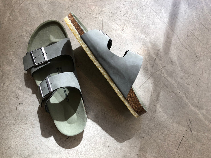 New Movements AS The Everyday Sandal Sandal Olive 903