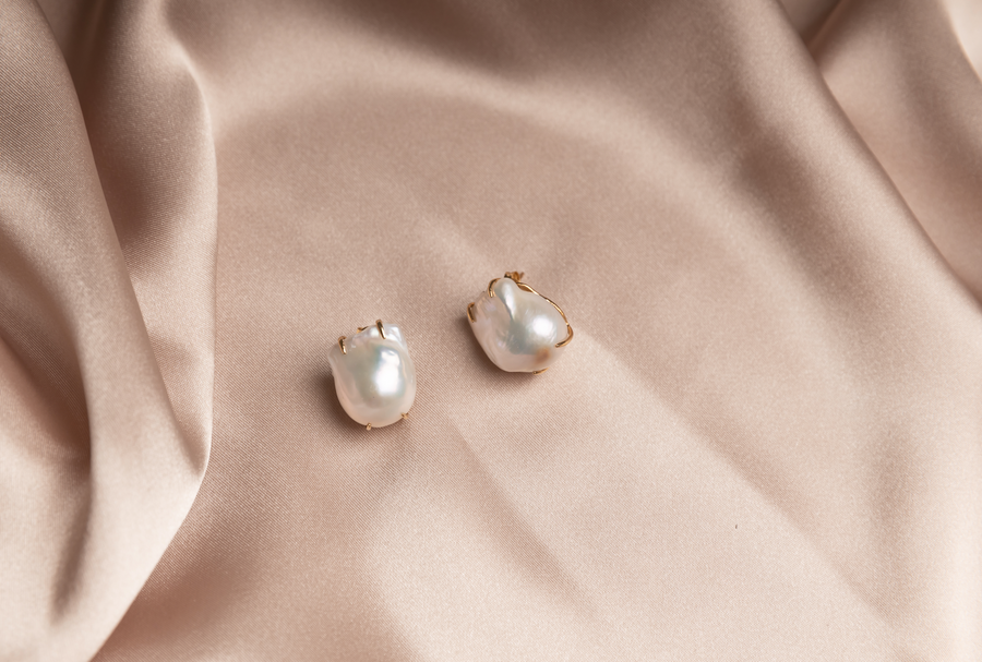 Liza baroque pearl earrings
