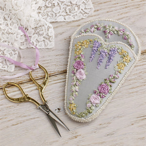 Victorian Roses and Wisteria Heart Scissorkeep Kit