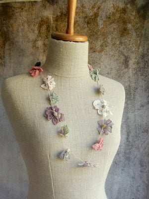 """Juliette"" linen necklace GUI"