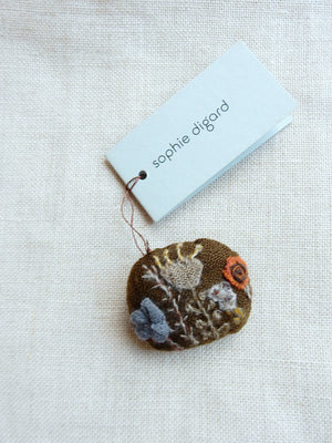 Small Quotodien Brooch #1