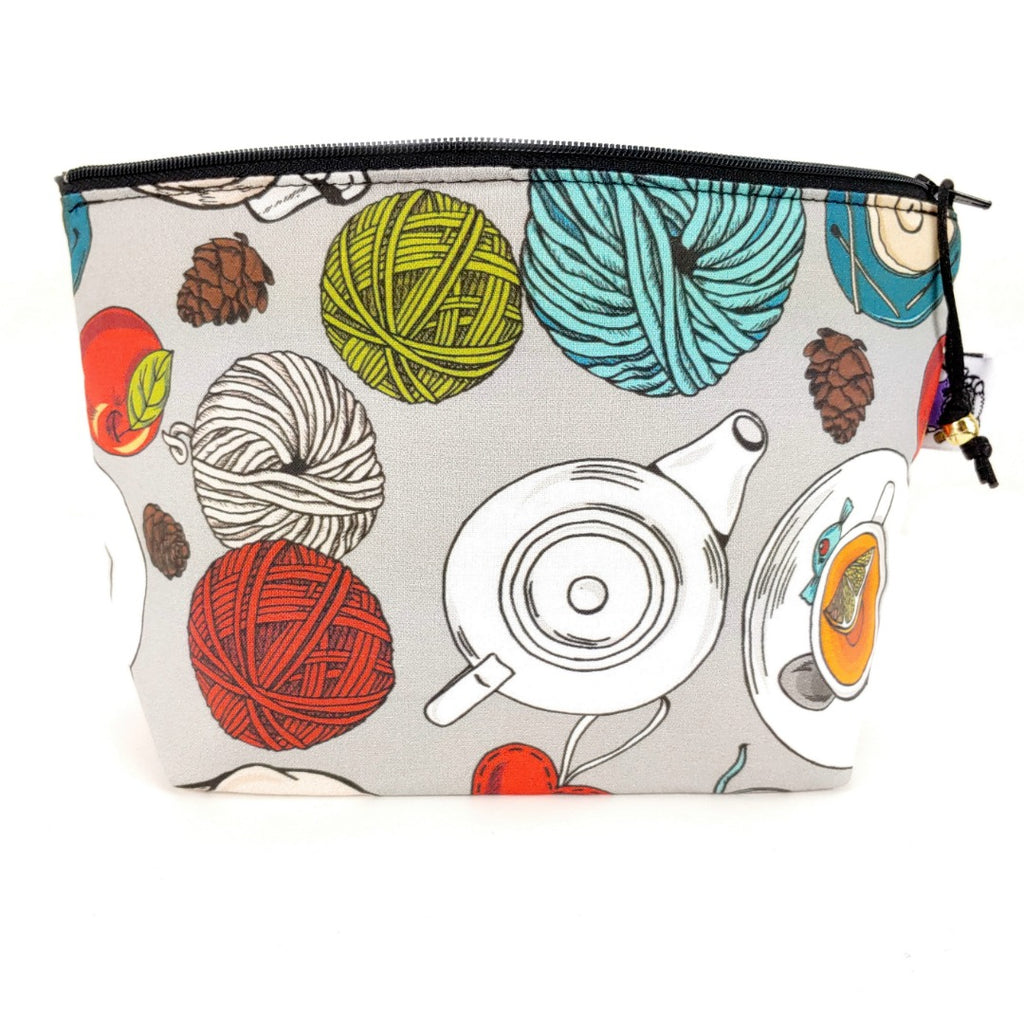 A Quiet Moment </br> Zipper Notion Pouch:Zipper Notion Pouch,Slipped Stitch Studios:Slipped Stitch Studios