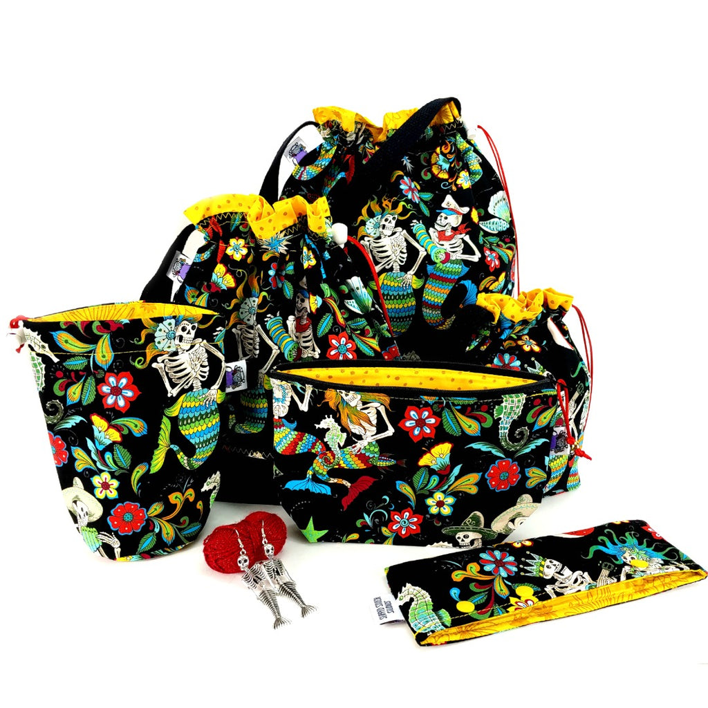 Esqueletos Del Mar Large Project Bag