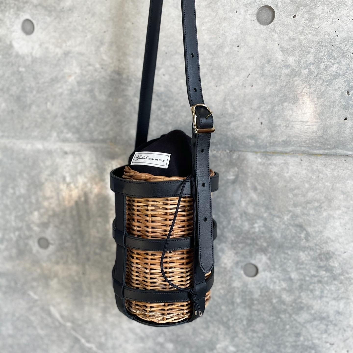 LEATHER BASKET BLACK BLACK  STITCH