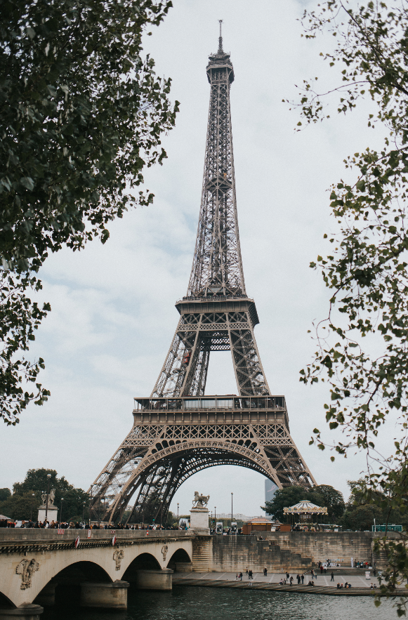 LISA-PATEY-EIFFEL-TOWER