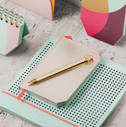 Unleash Creativity with Beautiful Notebooks and Pens