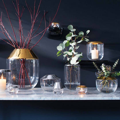 Using Beautifully Designed Vases Around the Home
