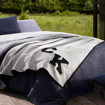Calvin Klein Home Varsity Throw 127x178cm