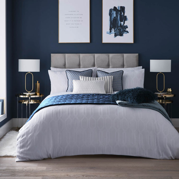 Tess Daly Quartz Bedding