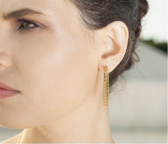 Manhattan Post Earrings in Gold - ModernTribe