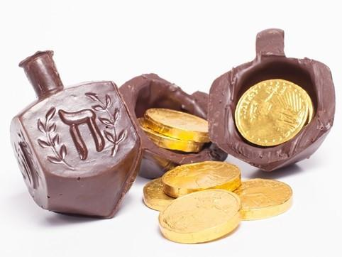 Li-Lac Candy Chocolate Dreidel with Gelt Coins Inside!
