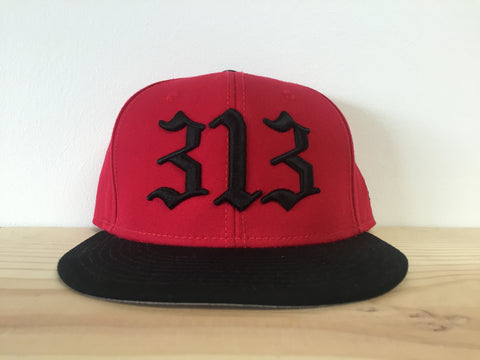 313 - Flat Bill Puff Print Snap Back Hat - Black / Red