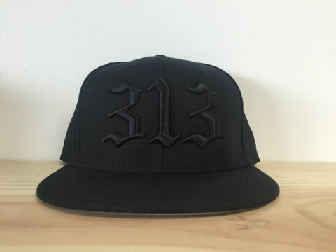 313 - Flat Bill Puff Print Snap Back Hat - Black / Black