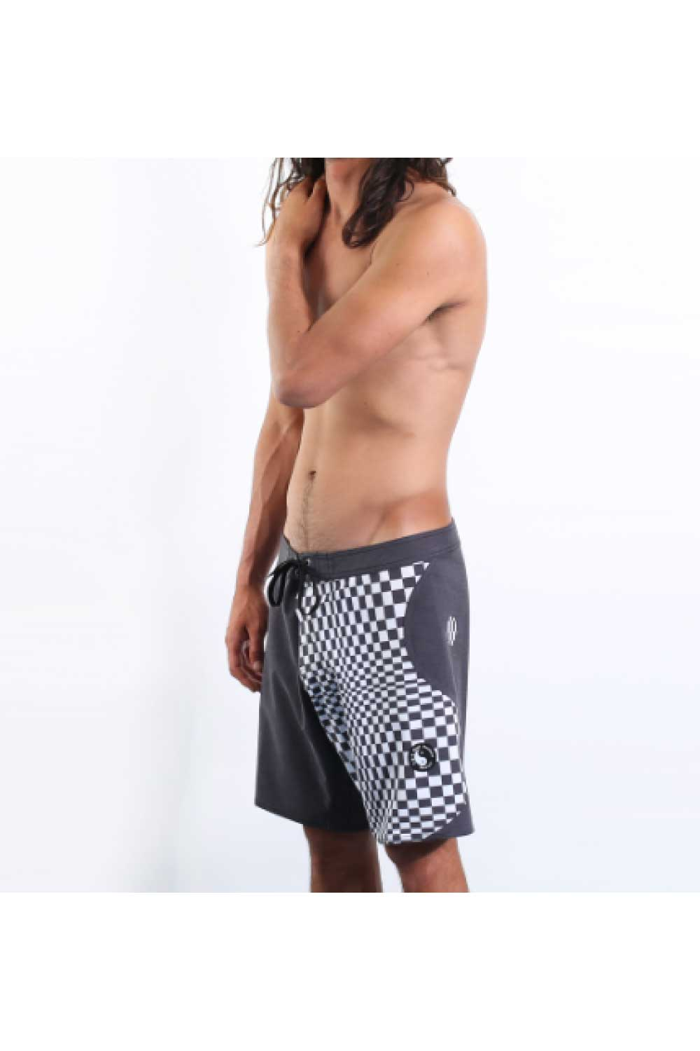 "Town & Country Ying Yang 17"" Men's Boardshorts Twisted Black"