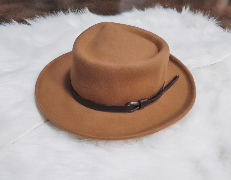 The Magnolia Hat - Camel
