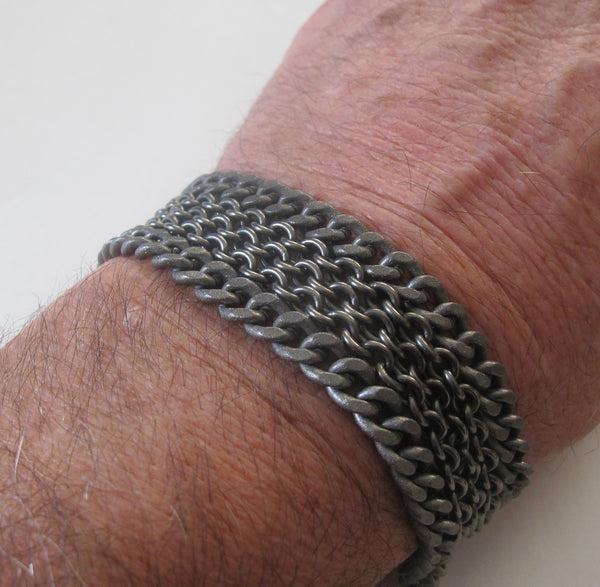 Cable and curb chain bracelet