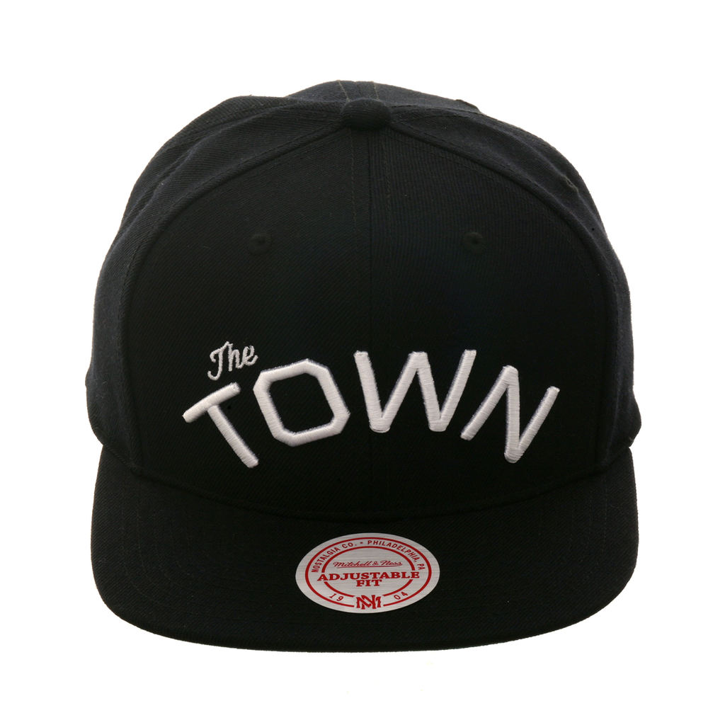 18327373da2 Mitchell   Ness Golden State Warriors  The Town  Snapback Hat ...