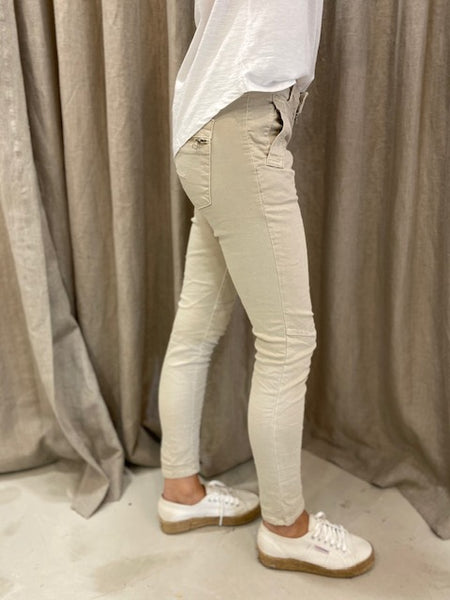 ITALIAN BUTTON JEANS - TAUPE