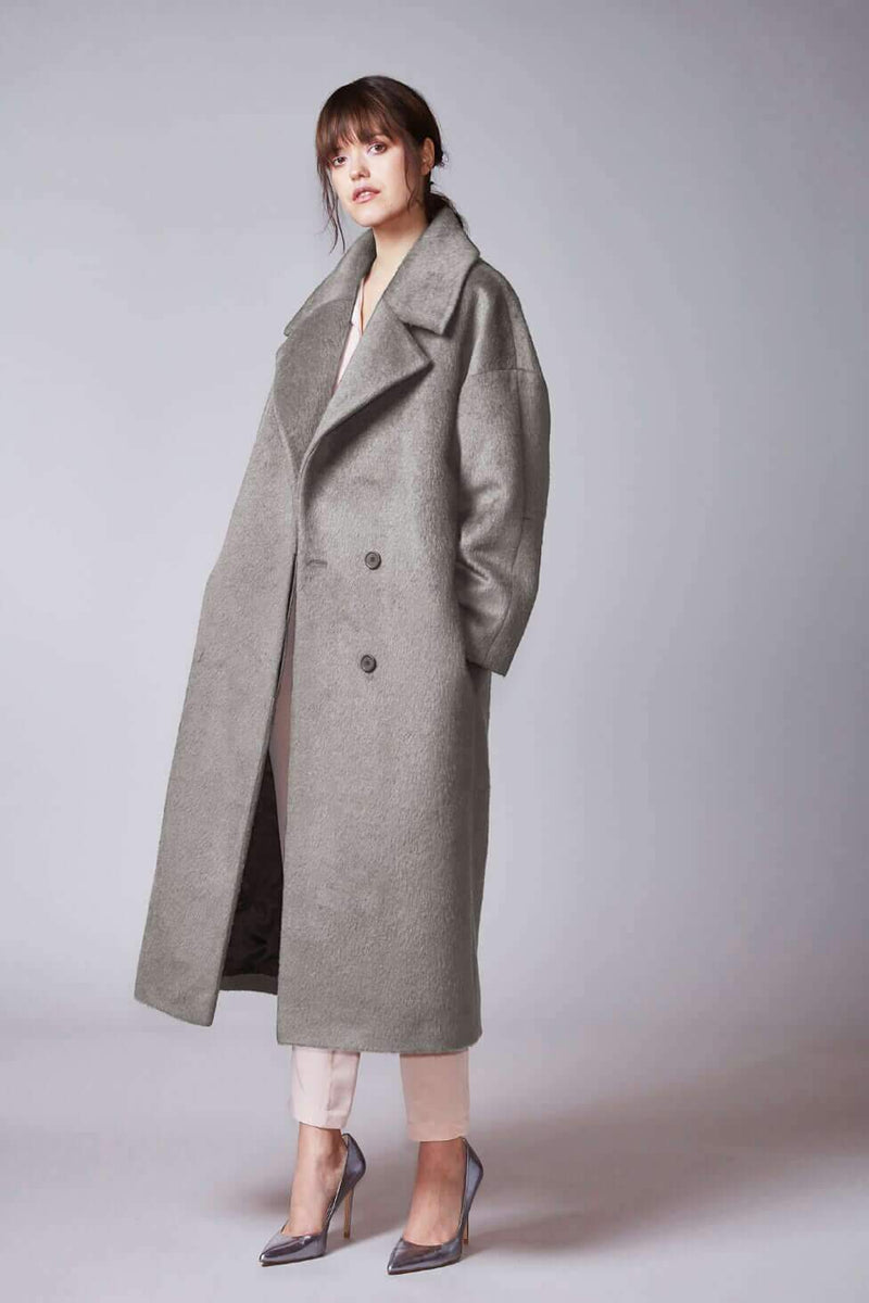 KAAMOS long coat in light grey