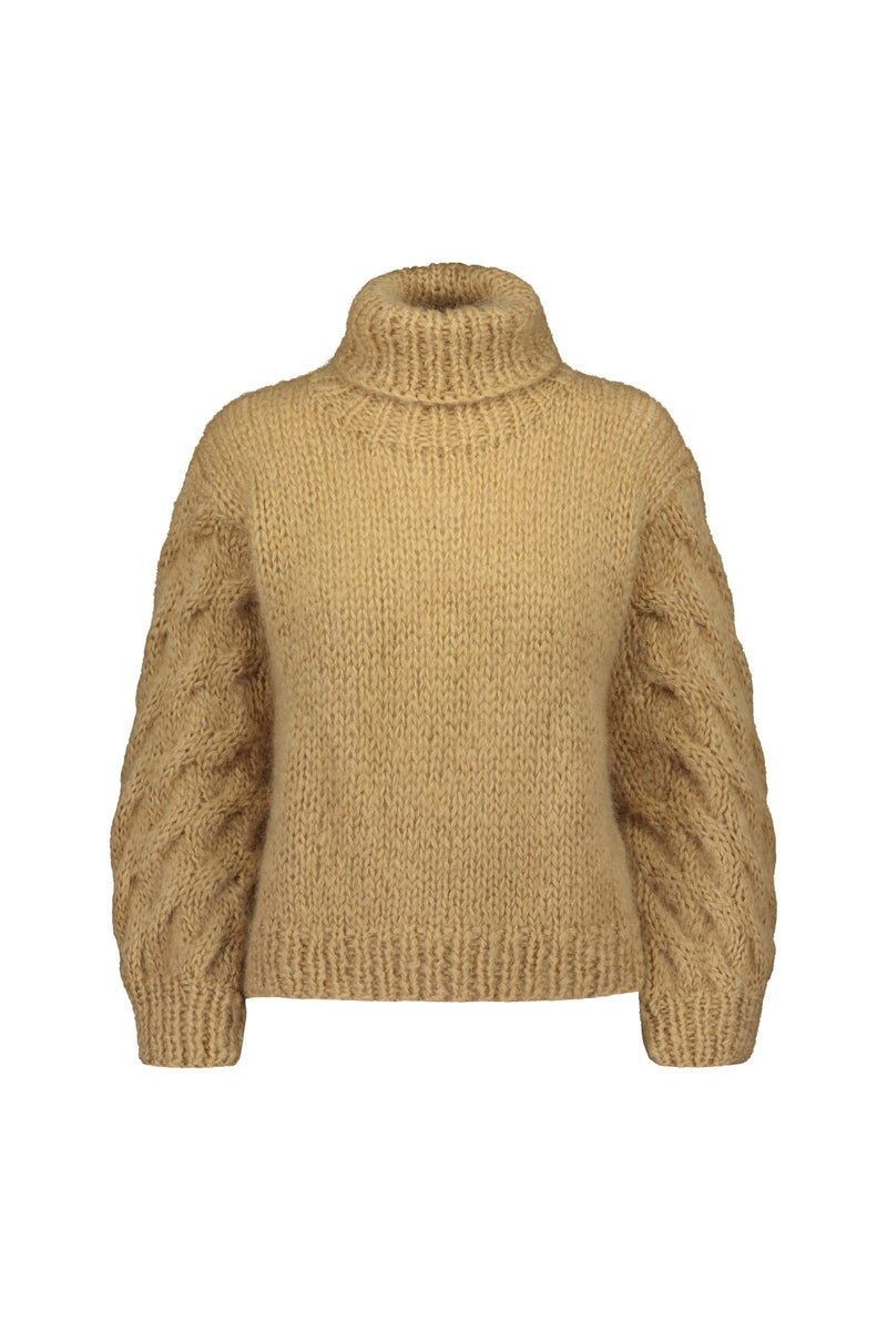 KAARNA handknitted turtleneck in camel