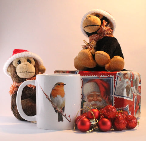 Standard mug with a Robin sat on a branch