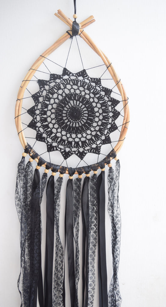 Black Lace Teardrop Dreamcatcher