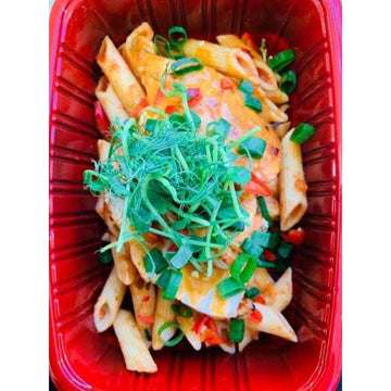 OnTheGo - Chilli chicken with penne and piri sauce