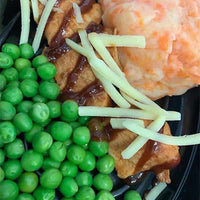 BBQ chicken veg and potato mash with cheese and peas-LDNutrition