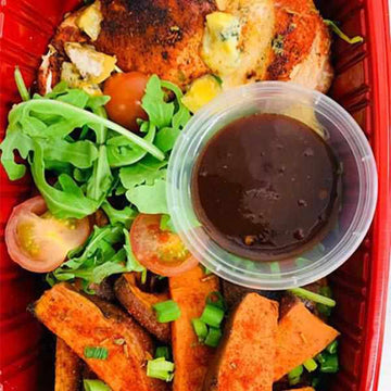 OnTheGo - Cajun and blue cheese chicken, sweet potato wedges with chipotle bbq sauce