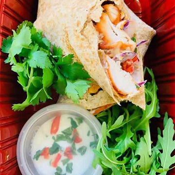 OnTheGo - Chilli chicken wrap with Sour cream dip