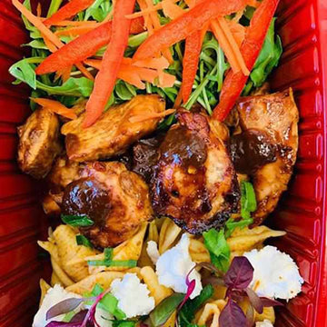 OnTheGo - Jerk chicken with rocket,  pesto pasta And feta Salad