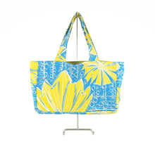 "Load image into Gallery viewer, ""Duchess"" in Blue Bell- Skat Bag"